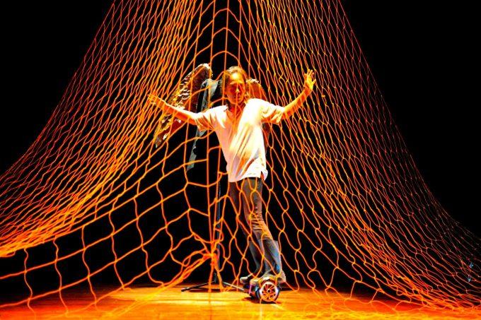 Sinopsis Menjaring Malaikat | Teater Tunggal Menjaring Malaikat